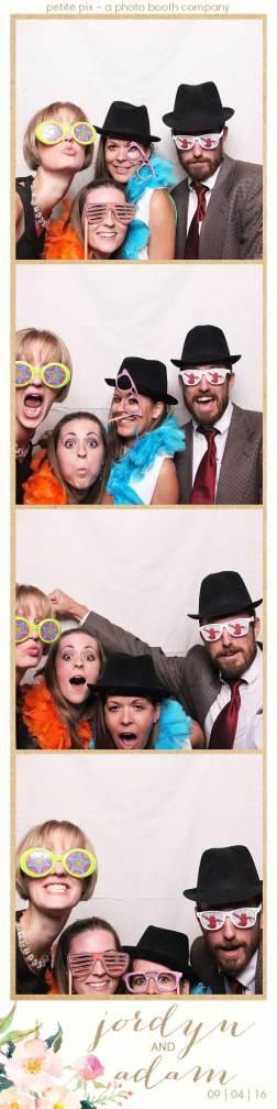 petite-pix-mid-century-modern-vintage-photo-booth-at-triunfo-creek-vineyards-for-jordyn-and-adams-wedding-3