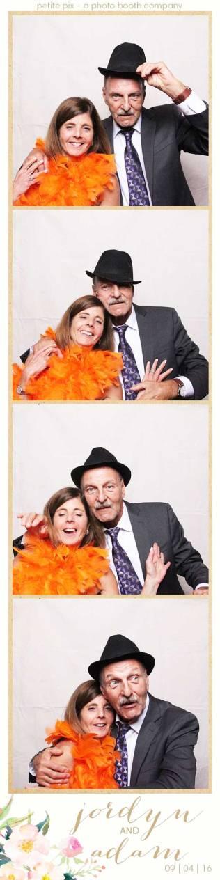 petite-pix-mid-century-modern-vintage-photo-booth-at-triunfo-creek-vineyards-for-jordyn-and-adams-wedding-9