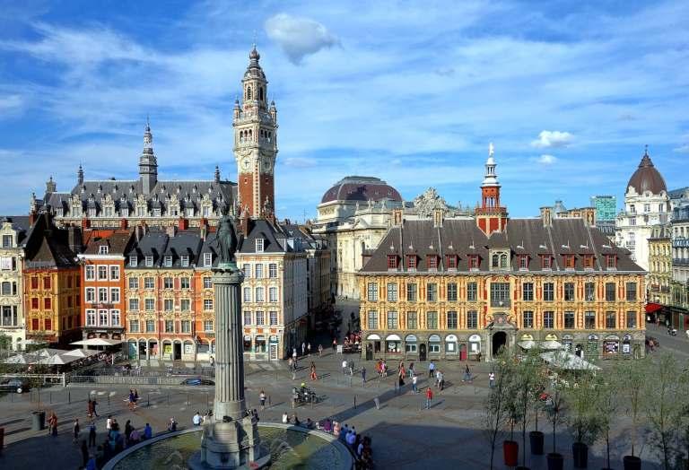 grande place dans le vieux Lille, une des destinations pas chères en europe
