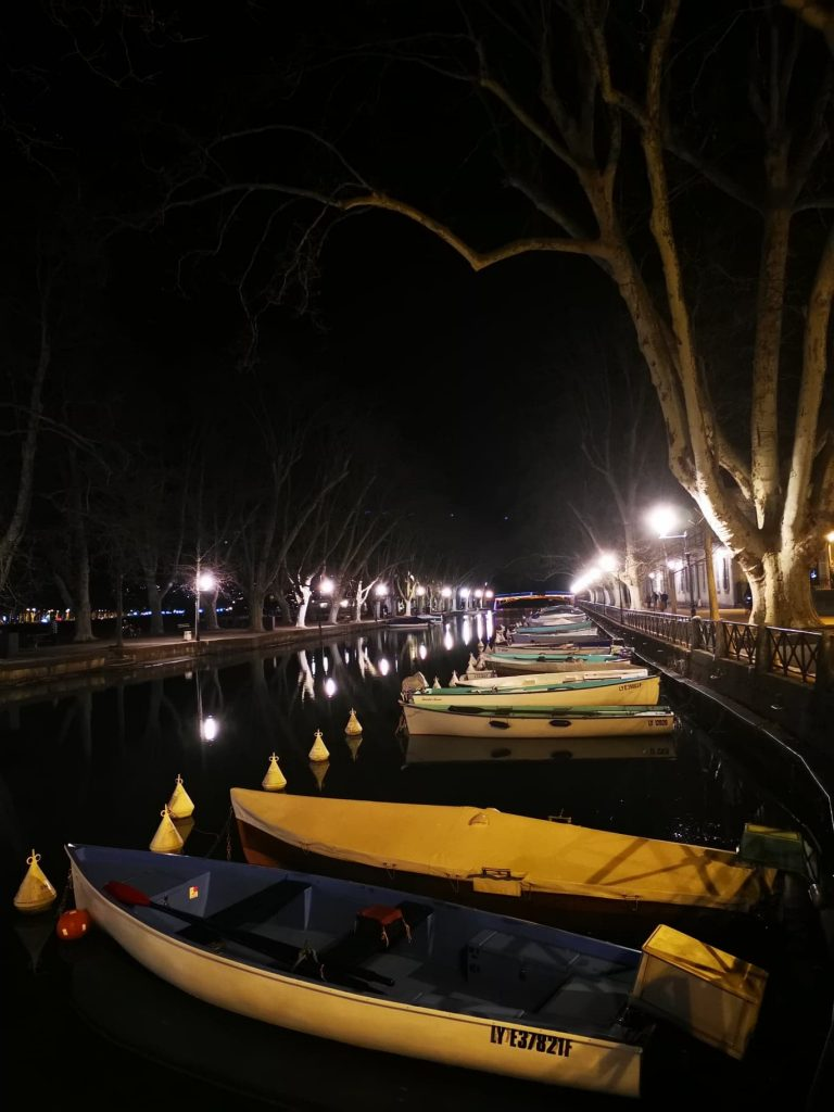 barques vue depuis le pont des Amours