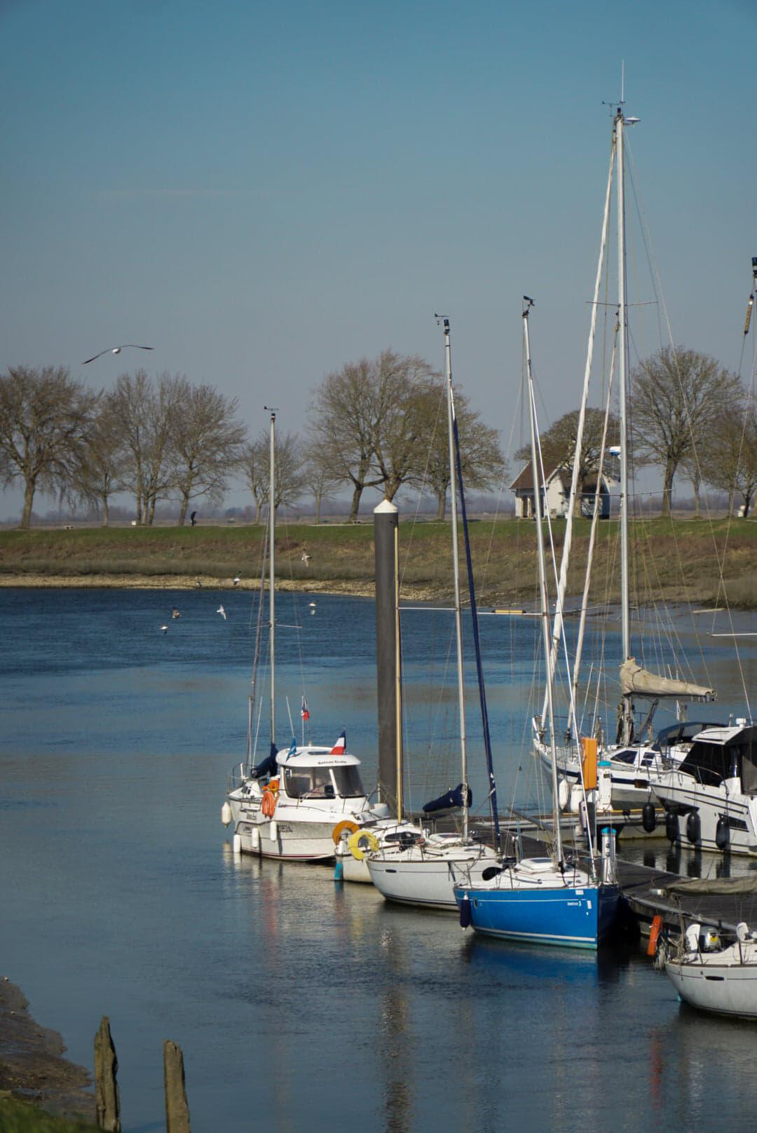 port de st valery sur somme avec bateaux