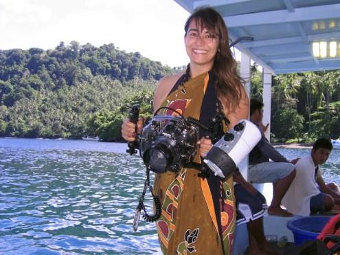 Avec mon Canon Eos 7D dans son caisson Ikelite, à Lembeh. Sulawesi, Indonésie. Juillet 2010.