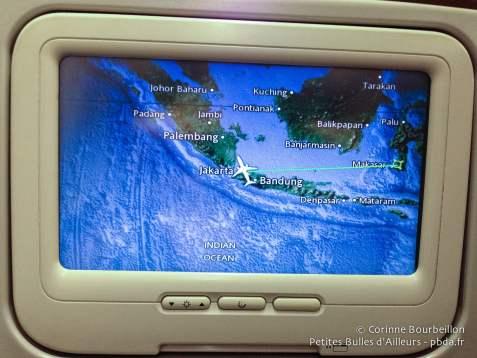 Dans l'avion de la Garuda. Vol Jakarta-Makassar. Janvier 2015.
