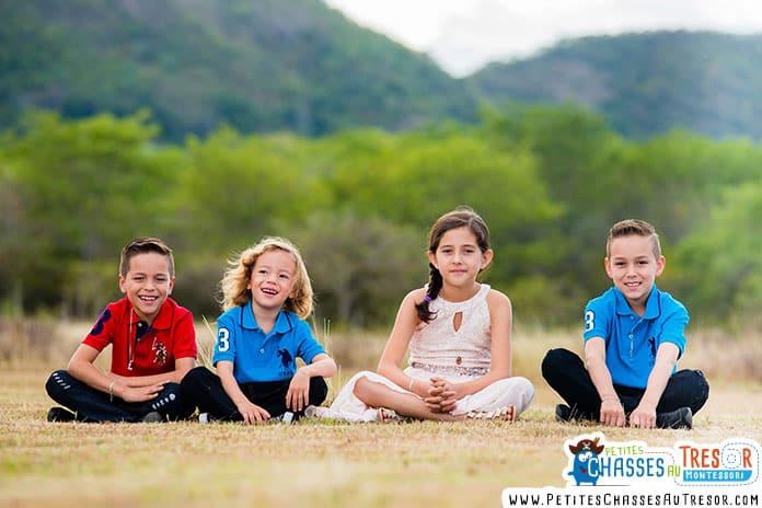enfants qui méditent dans la nature