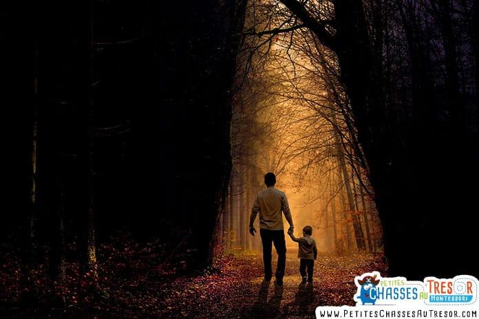 balade nocturne dans la forêt avec un enfant