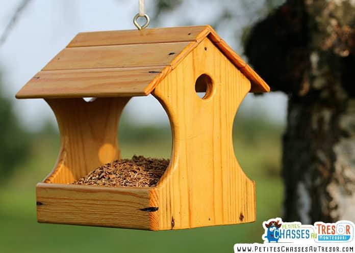 fabriquer une mangeoire à oiseaux