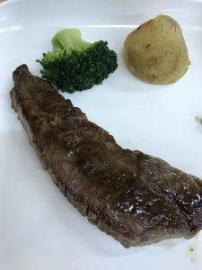 近江牛のステーキ食べ放題
