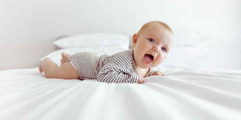 choisir un lit de voyage bébé