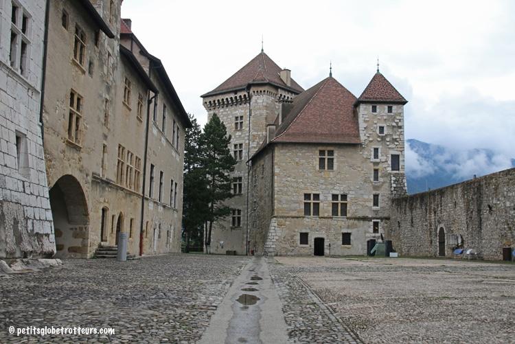 Annecy en famille - Château - Petits Globetrotteurs