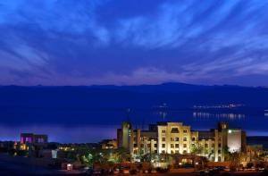 hotel famille mer morte jordanie