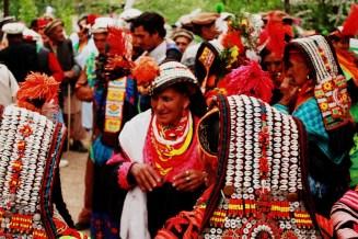 Femmes Kalash, photo de manalahmadkhan (CC BY-2.0)