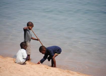 Deu mil nens i nenes del carrer a Malawi