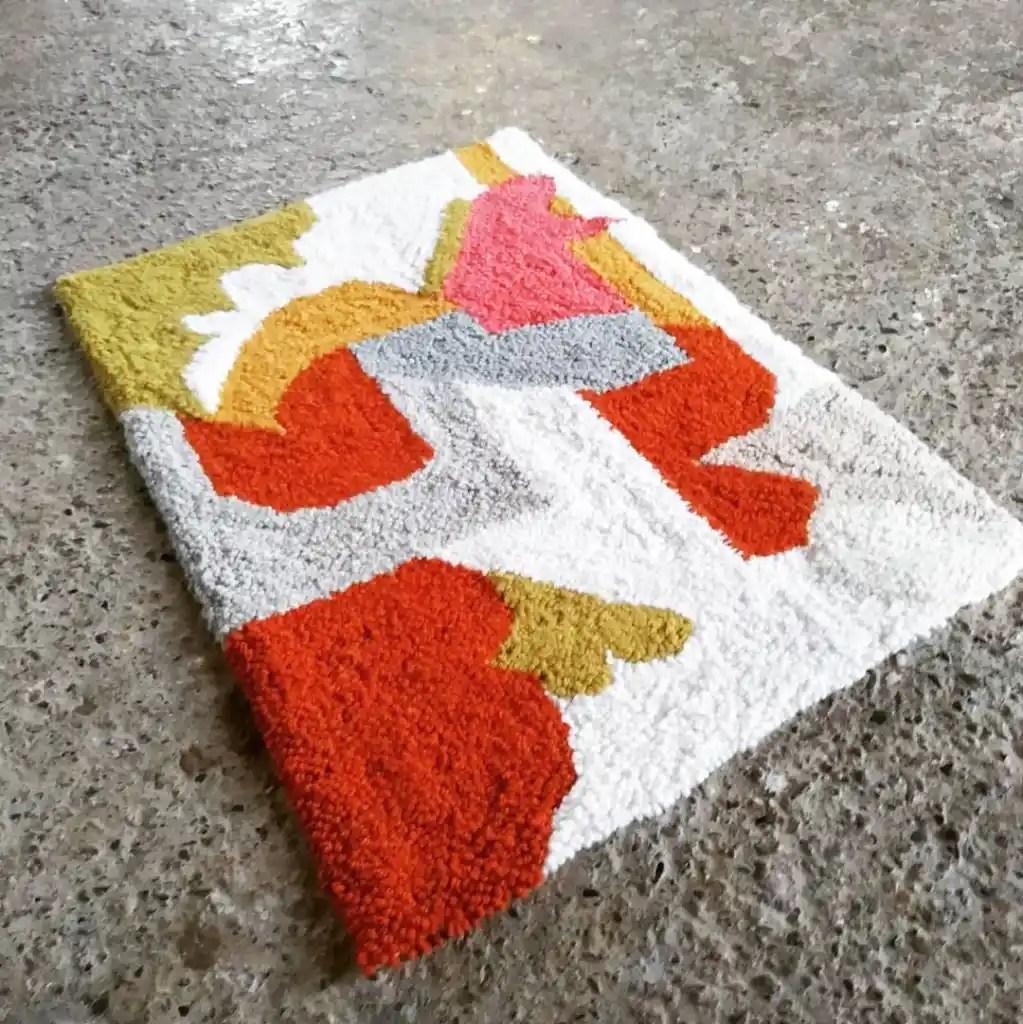7 ways to make a rug_punch needle rug_rugmaking__petramarciniaktextiles
