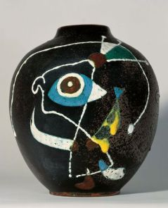Vase by Joan Miro 1946 (private collection, picture from the Joan Miro Online Imagebank)