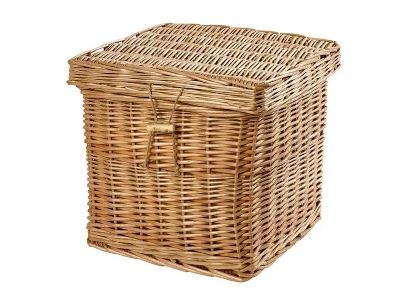Our lovely woven wicker willow ashes urn caskets are made from environmentally friendly natural willow and look lovely in any setting. They can be painted and personalised with engraved name plates or our heart-shaped name tags