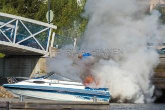 Tulipalo Kuopion Maljalahden satamassa-5