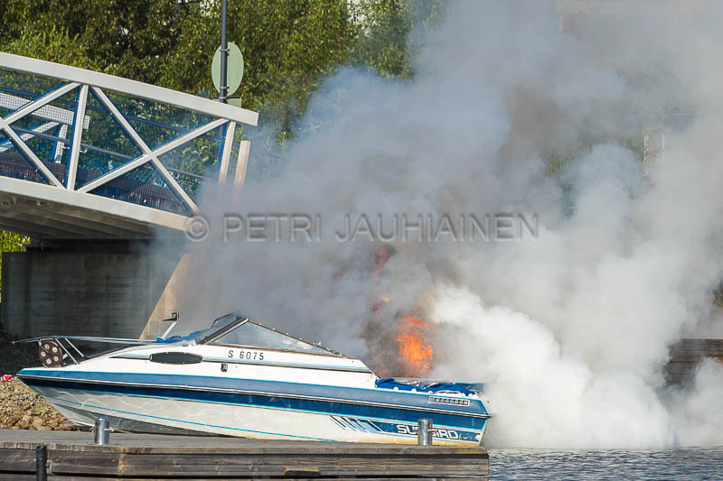 Tulipalo Kuopion Maljalahden satamassa-6