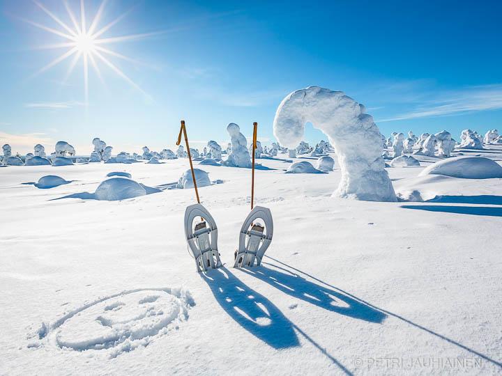 Lumikenkäilyä Lapissa valokuvaaja Petri Jauhiainen Kuopio