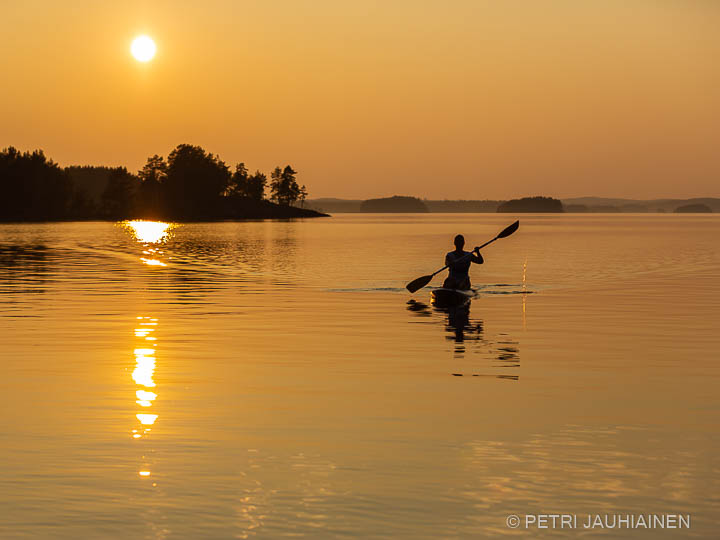 Meloja järvellä valokuvaaja Petri Jauhiainen Kuopio