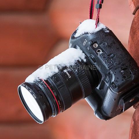 Canon talvitestissä valokuvaaja Petri Jauhiainen