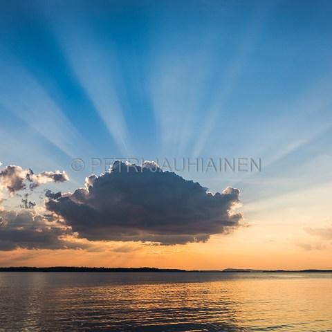 Auringonlasku valokuvaaja Petri Jauhiainen Kuopio