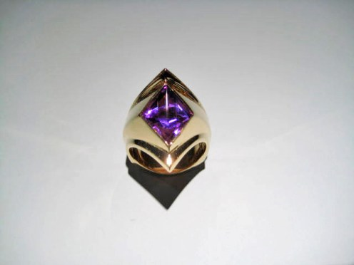 14K Gold Ring with Amethyst Artist: Dixon Catalog: 460-81-7