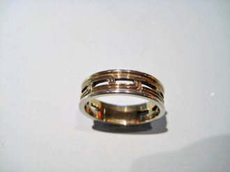 14K Y&W Gold Band Artist: Johann Paul Catalog: 802-18-4