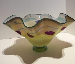 Heart Bowl, Medium: Glass, Artist: Rick Strini 7.75x15.75x14