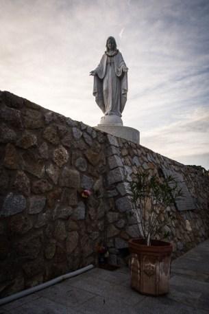 Giglio Porto a pietní místo obětem z Costy Concordie