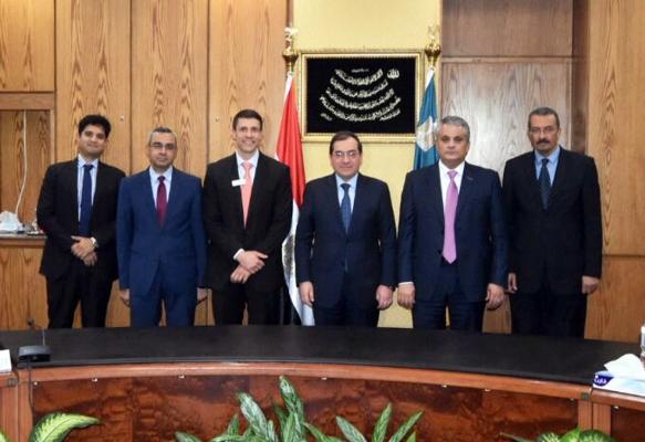 وزارة البترول تعلن إعداد أول استراتيجية لتطوير قطاع التعدين..وتوقيع عقد تنفيذ المرحلة الأولى