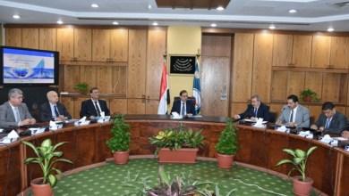 Photo of تفاصيل اجتماع وزير البترول برؤساء شركات توصيل الغاز للمنازل والقابضة للغازات