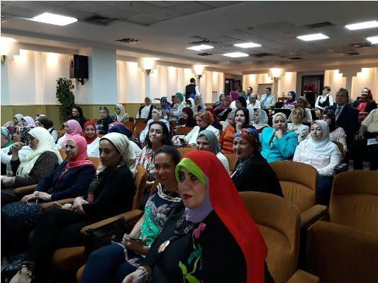 بالصور بترول بلاعيم تستضيف الاجتماع الثانى لأمانة المرأة بالنقابة العامة البترول (18)