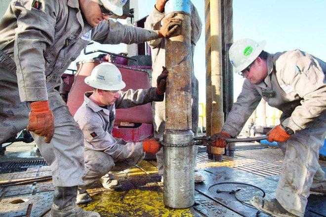 انتاج النفط الأمريكي في خليج المكسيك ينخفض 53%