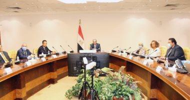 """صورة """"الاتصالات"""" توقع اتفاقية مع جامعة الأسكندرية لتنفيذ مشاريع بحثية"""