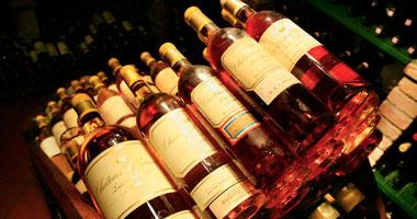 جمارك بورسعيد تحبط محاولة تهريب عدد من زجاجات المشروبات الكحولية