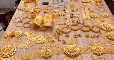 أسعار الذهب تتراجع 4 جنيهات بالتعاملات المسائية وعيار 21 يسجل 793 جنيها للجرام