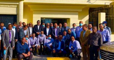 الرئيس التنفيذي للمصرية للاتصالات يلتقي العاملين بمحافظة أسوان