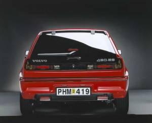 Rear of red Volvo 480 ES on PetrolBlog