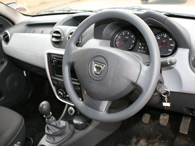 Dacia Duster Access 1.6 4×4 interior