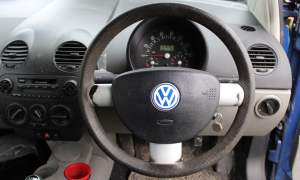 2000 Volkswagen Beetle dashboard