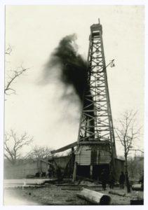 Photographie d'un derrick de pétrole