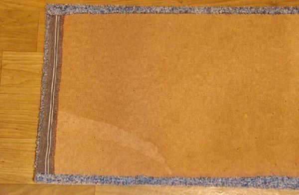 Husets tag skal placeres analogt med gulvet.