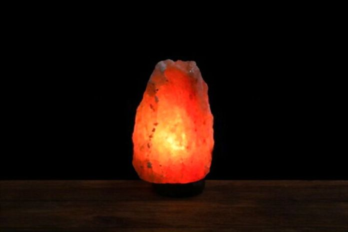 Dangers of Himalayan Salt Lamps for Cats and Dogs