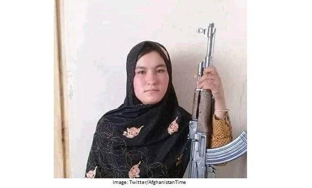 Afganska skjuter 2 talibaner