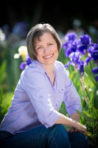 BLOG Keli Gwyn Author Photo-Lg