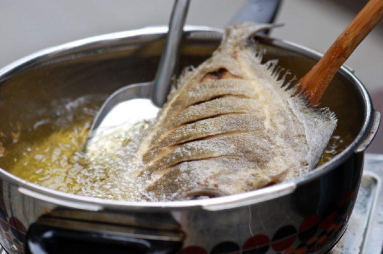 petua goreng ikan, goreng ikan tak meletup, goreng ikan rangup, goreng ikan tak melekat, petua goreng ikan tak melekat