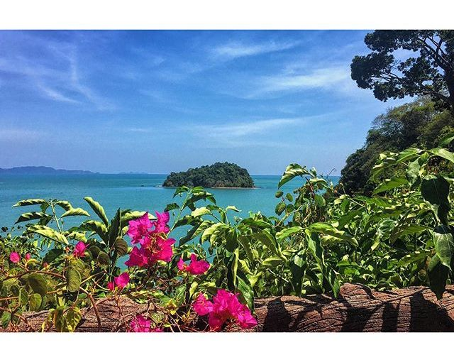 What a day… Scooter riding, exploring Koh Lanta with fun new friends. Here's the best view of the day… #Thailand #KohLanta #hmgoes #beach #Island