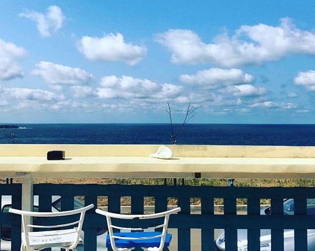 Blue mornings, white cotton clouds. #bulgaria #Sinemorets #horizon + . . . . . #travelgram #travelphotography #picoftheday #traveldiary #instatravel #travelpics #seaside #summerstories #nomadstories #instaarchive #bars