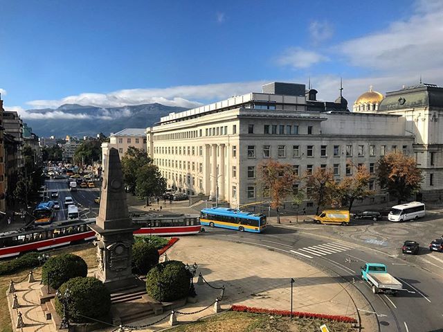 Autumn morning, post rush hour. Can never get tired of this view. #Bulgaria #Sofia #Vitosha