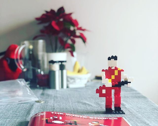 """Sunday. Celebrating the end of January & friendship. Have @mcseain & @rob.orourke for the whole weekend & we built the """"Fell in love with a girl"""" block kit I got from Three Man Records in Nashville back in December. #Sofia #Bulgaria #thewhitestripes #rocknroll #lego #notlego #jackwhite #thirdmanrecords"""
